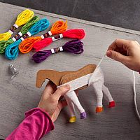 Craft-tastic Yarn Unicorns